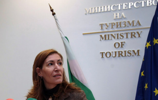 Министър Николина Ангелкова: Очакваме ръстът на руските туристи у нас през лято 2018 г. да бъде между 5 и 10 %