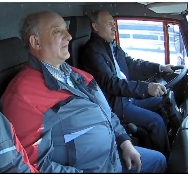 Путин откри Кримския мост с камион
