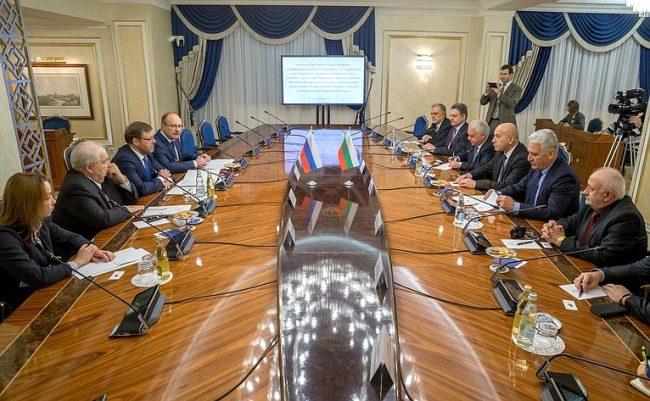Среща на българска парламентарна делегация с Константин Косачов