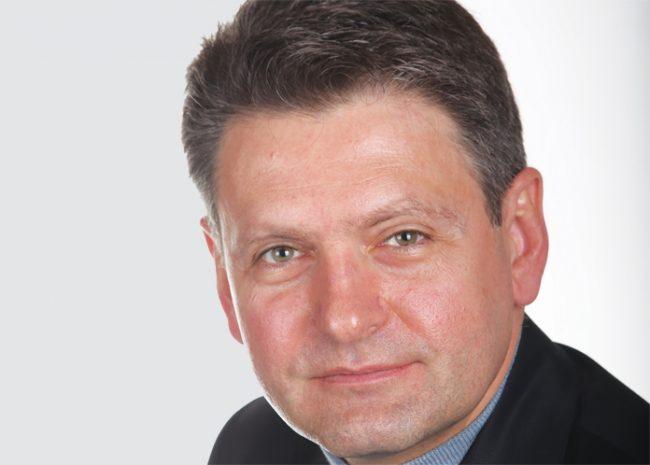 """България трябва най-накрая да завърши своя тридесетгодишен """"преход към демокрация"""""""