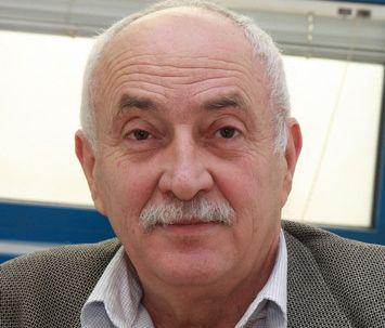 Почина Павел Бебов