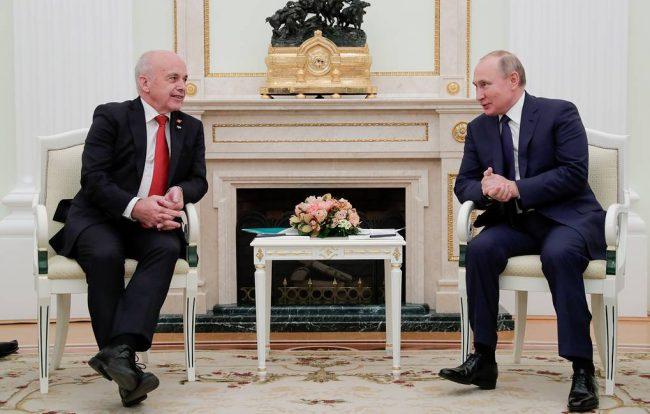 MOSCOW, RUSSIA – NOVEMBER 21, 2019: Switzerland's President Ueli Maurer (L) and Russia's President Vladimir Putin during a meeting at the Moscow Kremlin. Mikhail Metzel/TASS  Ðîññèÿ. Ìîñêâà. Ïðåçèäåíò Øâåéöàðèè Óëè Ìàóðåð è ïðåçèäåíò ÐÔ Âëàäèìèð Ïóòèí (ñëåâà íàïðàâî) âî âðåìÿ âñòðå÷è â Êðåìëå. Ìèõàèë Ìåòöåëü/ÒÀÑÑ