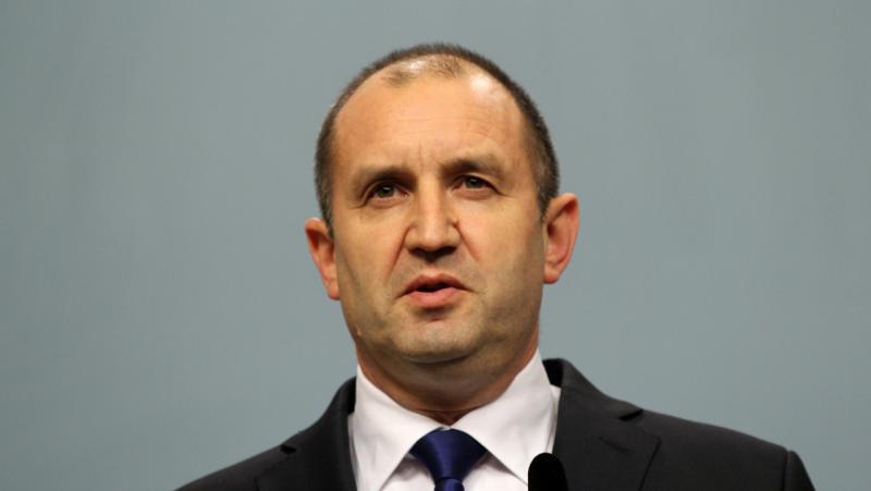 Отворено писмо на интелектуалци до президента Румен Радев