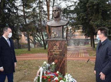 В Черна гора издигнаха паметник на маршал Жуков